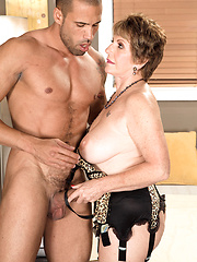 Wild mature woman Bea Cummins sucks and fucks